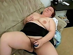 Chubby Mature Toying Her Hole