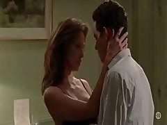 Brunette Linda Hardy In L Ecole Du Pouvoir Is Showing Some Skin