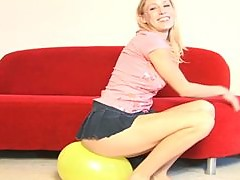 Kinky Blonde Gets Aroused With Balloons