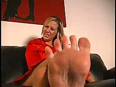 Maitresse Madeline Feet Instruction