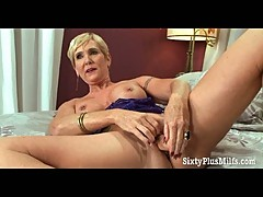 Hot grandma loves her old snatch