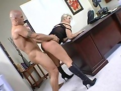 Abbey Brooks found a perfect palce to fuck