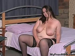 British Bbw Hottie Jenny Plays With Herself