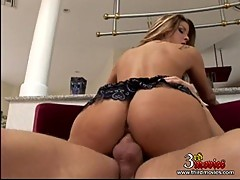 Cowgirl style lover Monica Sweetheart splits her hole on rock hard dick