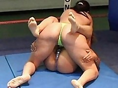 Women french wrestling combat2