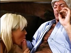 Pornstar Bree Olson fills her mouth with an awesome cock she...