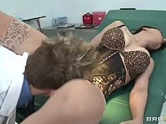 Sizzling Cytherea gets her snatch licked out