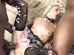 Faye Runaway gets double banged by blacks