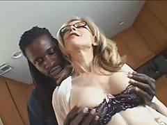 M.I.L.F. Nina Hartley-trasgu