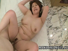 Mature Japanese babe Hiromi Yoshio getting her pussy pounded