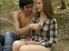 Man stuffs twat of his teen girlfriend by big dick in forest