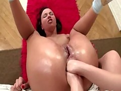 Brunette chick receives two hands in her asshole