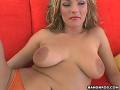 Pussy Pleasing Fun With The Sexy Blonde Venus