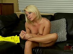 Casey cums footplay