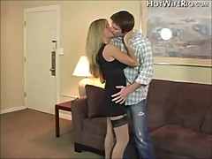 Mature hottie gives young stud the best time of his life