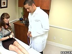 Licking Pussy and Having Sex in The Doctor's Office