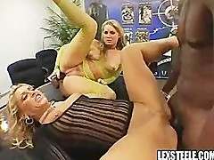 Flower Tucci & Chelsea Zinn in the Best Threesome Ever