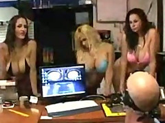 Shyla Stylez - Carmella Bing and Gianna Michaels in officina