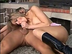Sexually Excited Honey Jane Darling Sits Her Taut Bawdy Clef...